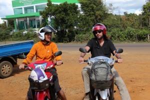 A moto sur Bolaven Plateau