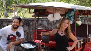 Une idée pour vos prochaines vacances: le combi-tuk-tuk aménagé
